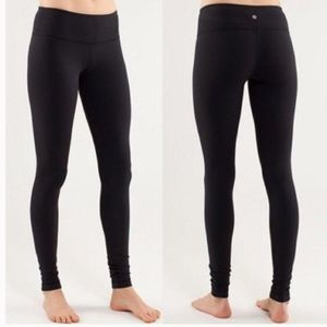 Lululemon black Luon Wunder Under tights leggings